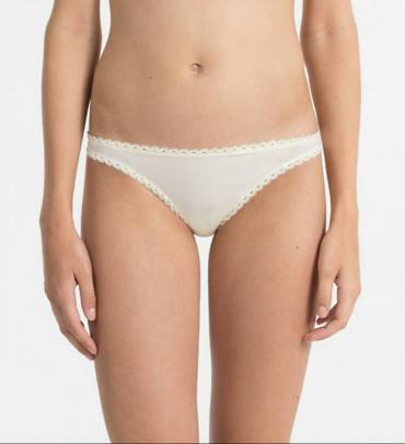 Calvin Klein Tangá Seductive Comfort Krémové