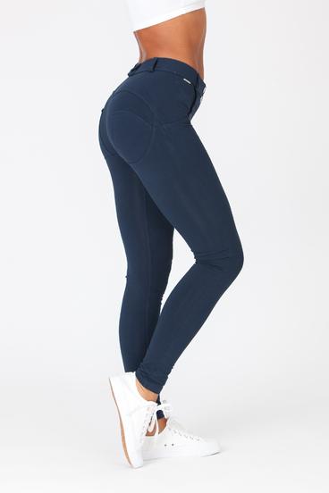 Boost Pants Mid Waist Dark Blue